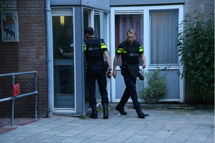Schietpartij in woning, politie start onderzoek