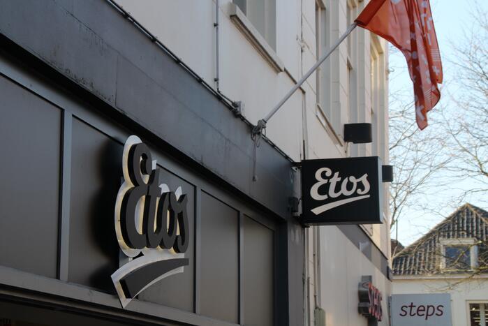 Overval op drogisterij Etos in Markthal