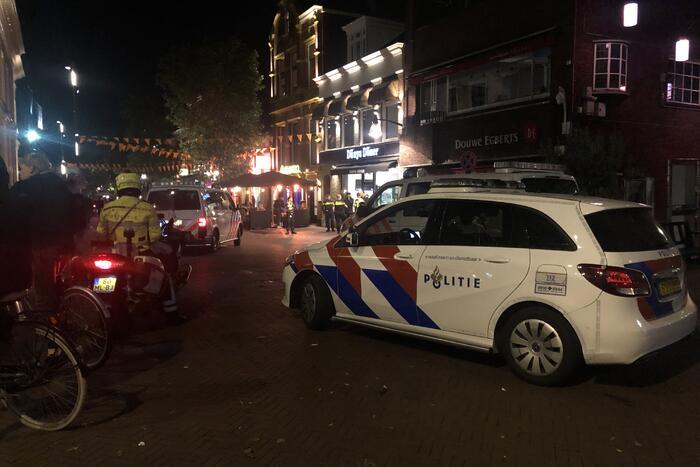 Politie houdt toezicht door ongeregeldheden