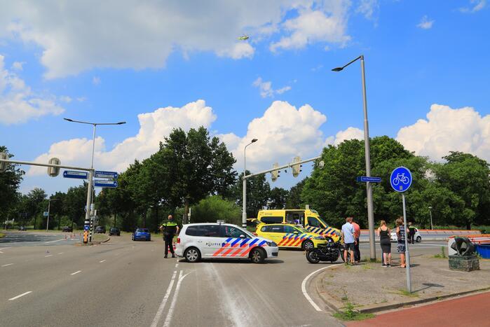 Motorrijder ernstig gewond automobilist rijdt door