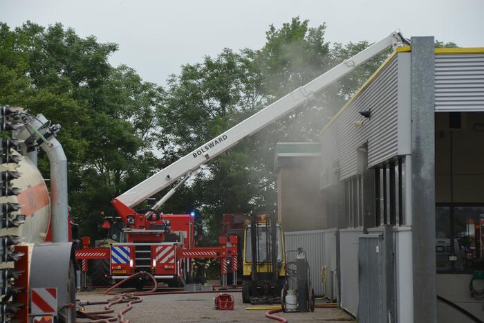 Grote brand in loods van Bos Mechanisatie