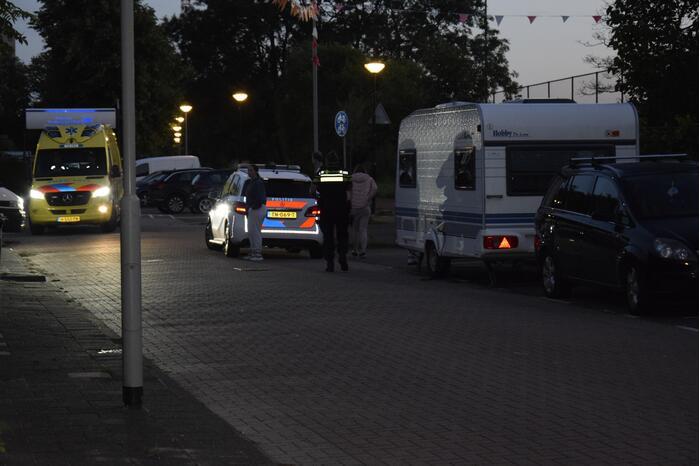 Voetganger gewond door botsing met taxi