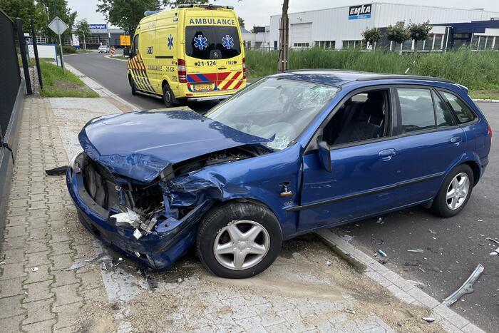 Gewond en veel schade na ongeval