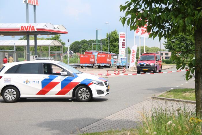 Brandweer doet onderzoek bij Avia Tankstation