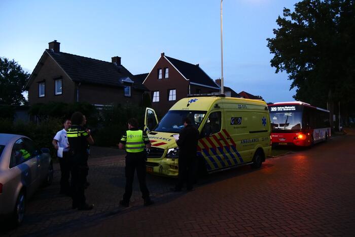 Ambulance en stadsbus komen met elkaar in botsing