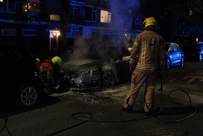Brand in personenauto IJsselmonde
