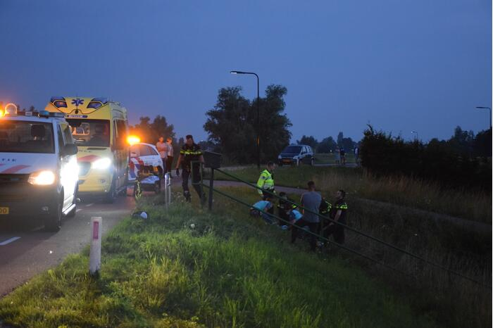 Motorrijder flink gewond na hobbel in asfalt
