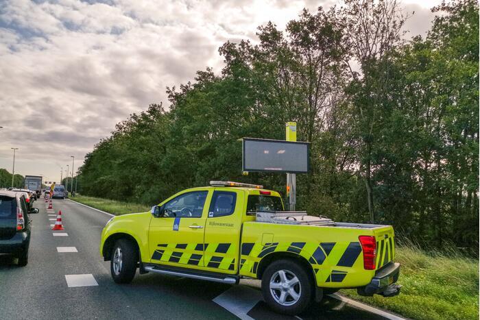 Schade aan geleiderail na ongeval met vrachtwagen