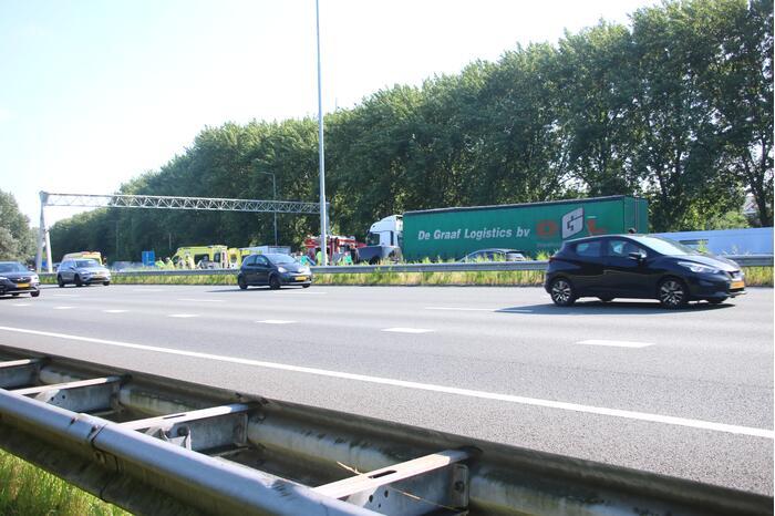 Snelweg dicht door verkeersongeval