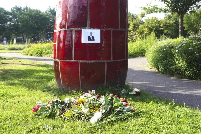 Gedenkplek ingericht voor Peter R de Vries op de Kai Park