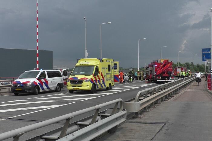 Twee auto's en een vrachtwagen betrokken bij ernstig ongeluk