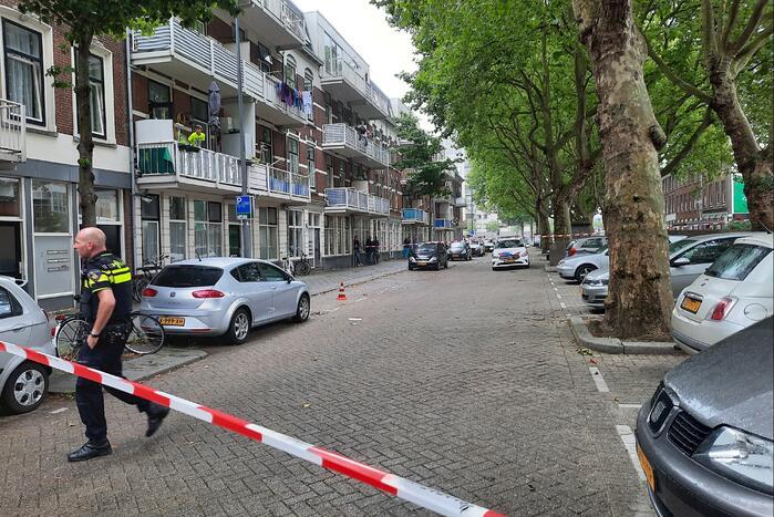 Straat in Feijenoord afgesloten na melding van schietpartij