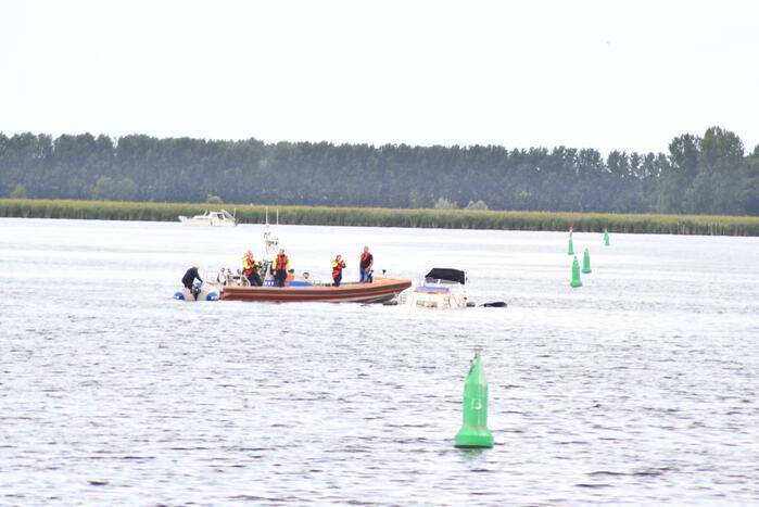 Plezierjacht zinkt in het Gooimeer