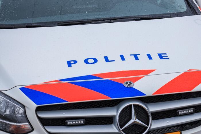 Aanhouding na lopen op politieauto