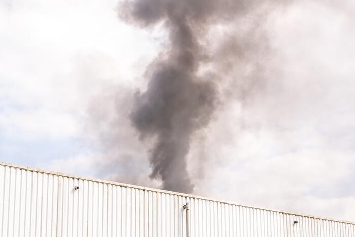 Brand bij afvalverwerkingsbedrijf