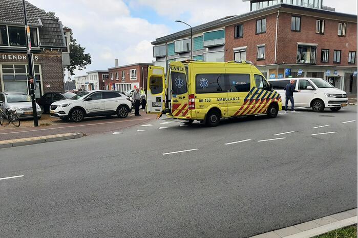 Een persoon gewond bij ongeval op kruising