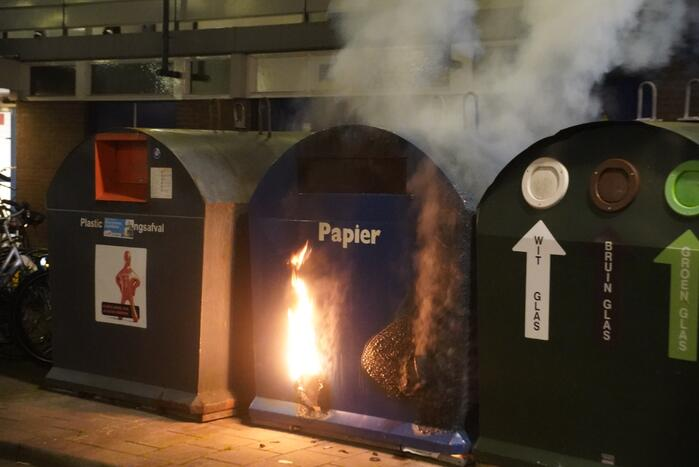 Papiercontainer in brand
