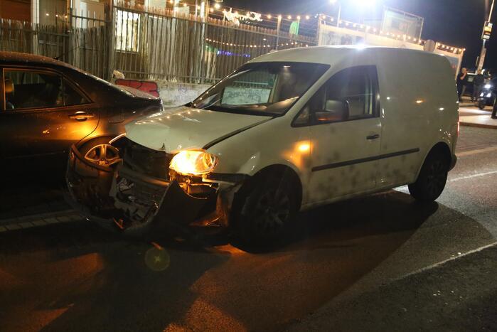 Twee auto's zwaar beschadigd na voorrangsfout