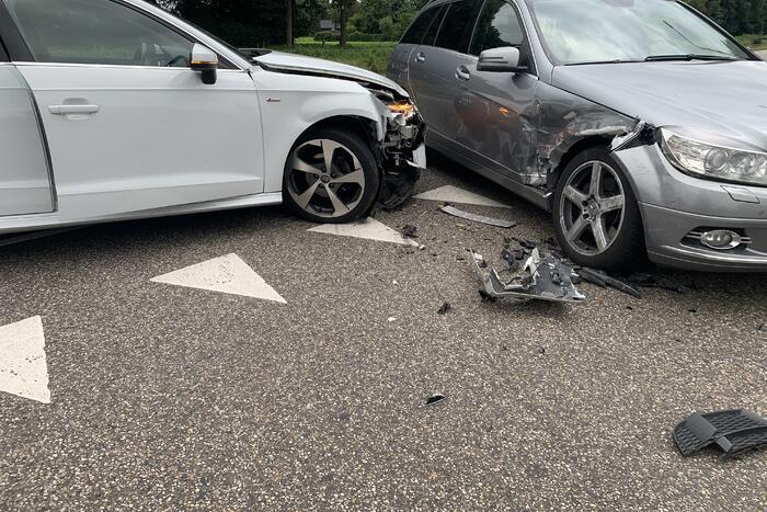 Schade aan personenauto's door ongeval