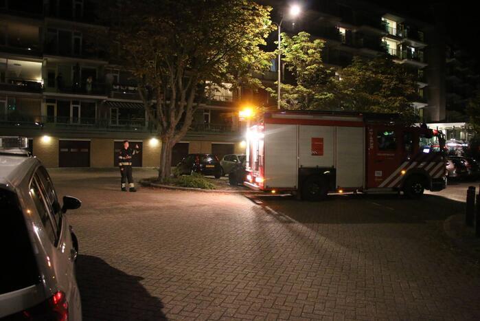 Alerte buurtbewoners melden brand in flatgebouw
