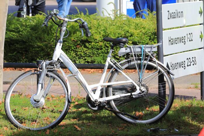 Vrouw raakt gewond na val met elektrische fiets