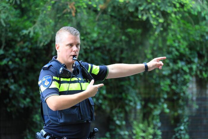Agenten controleren op veiligheid bij scholen