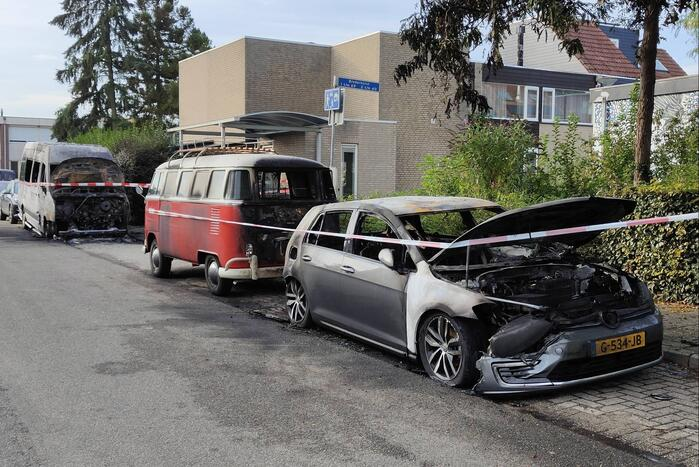 Enorme schade bij forse autobranden