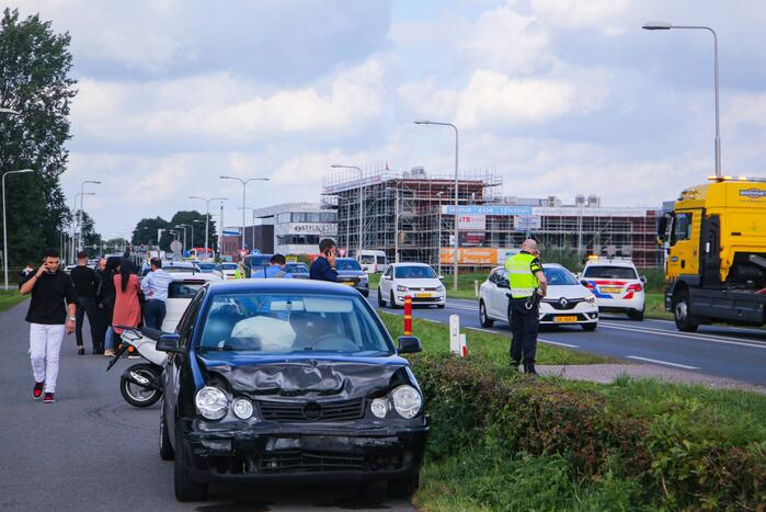 Schade aan personenauto's door kopstaart botsing