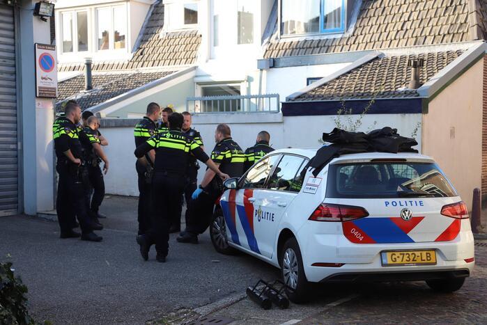 Politie treft hennepkwekerij aan in woning