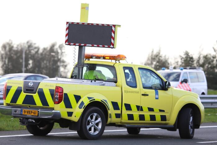 Auto vliegt in brand na ongeval
