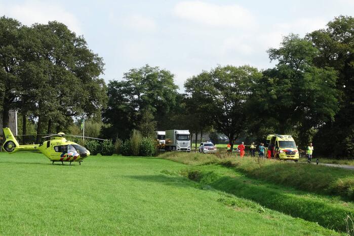 Fietser ernstig gewond door ongeval met personenauto