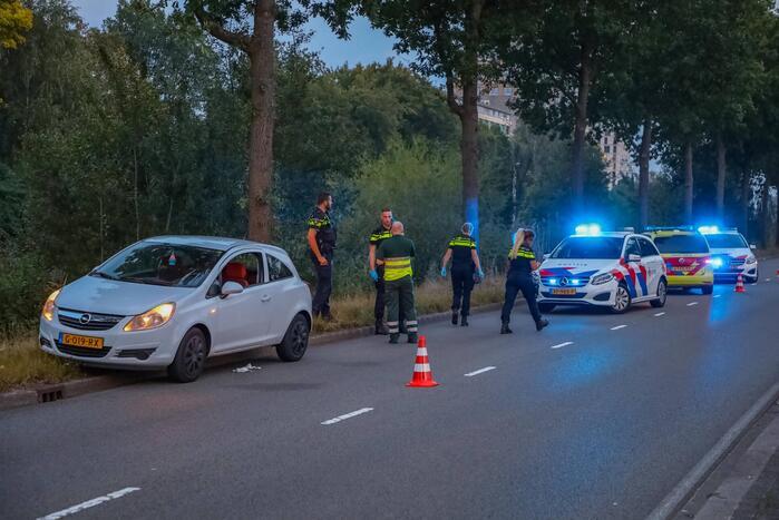 Persoon gewond door steekpartij in personenauto