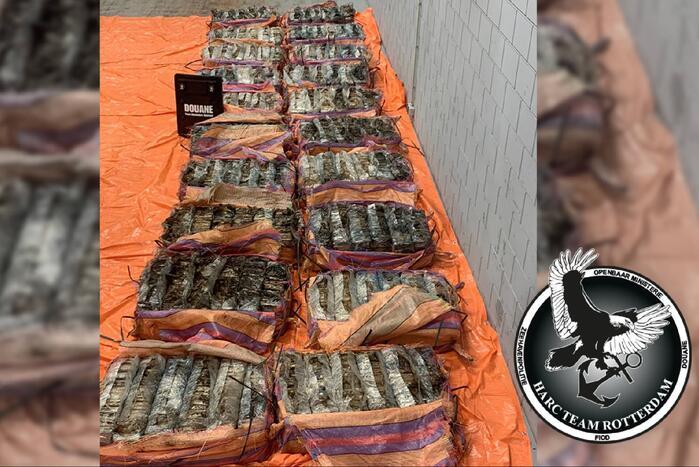 Douane onderschept 1400 kilo cocaïne tussen cacao