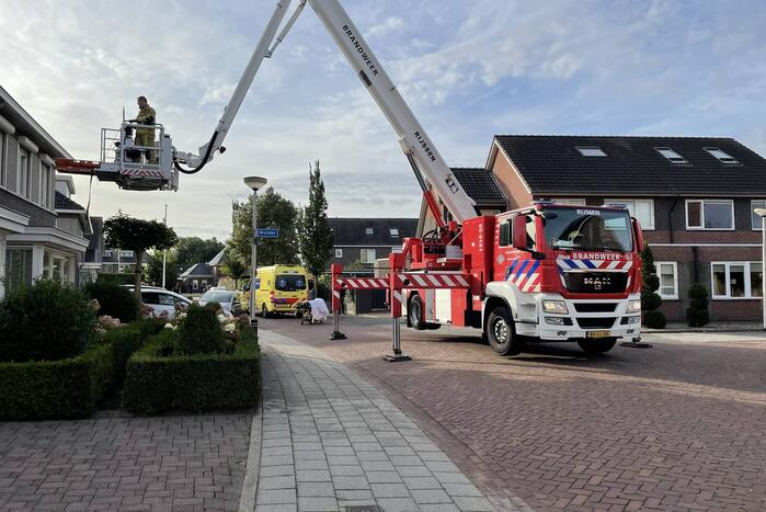 Persoon gewond na val in woning