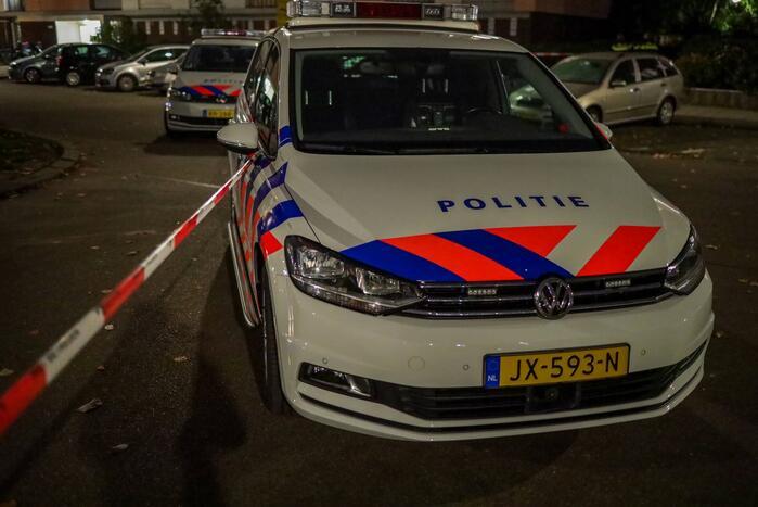 Politie lost waarschuwingsschot