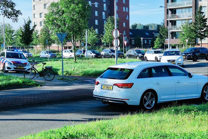 Man op elektrische fiets aangereden door automobilist