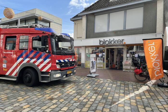 Onderzoek naar gaslucht in woonwinkel Blokker